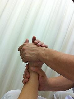 手首(手関節)のAKA治療
